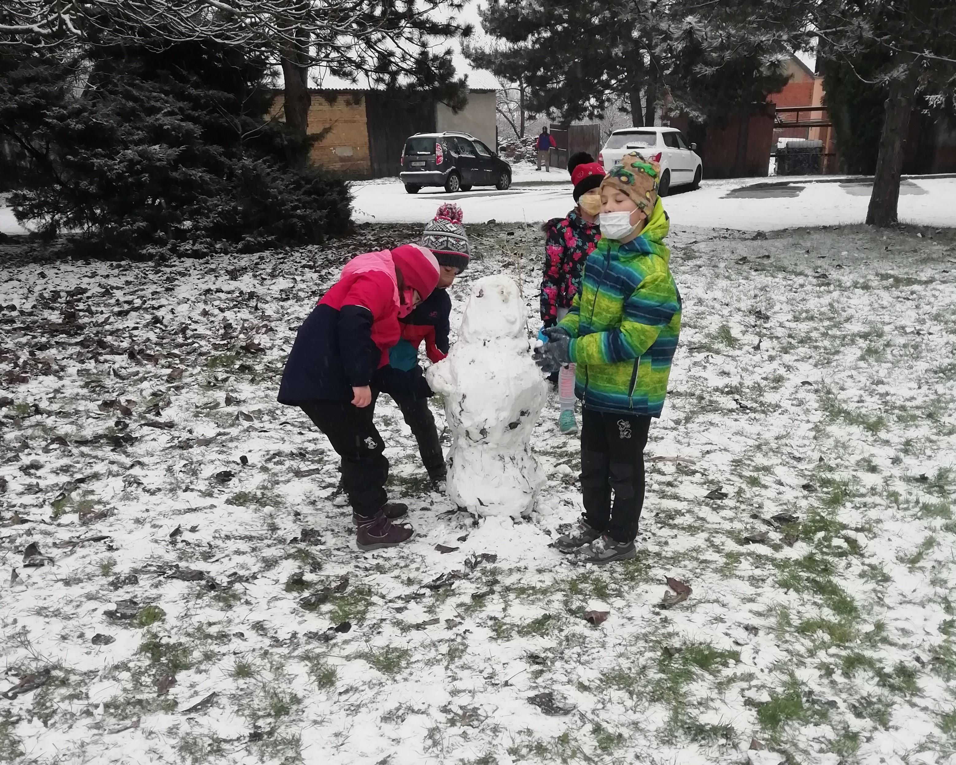 zima-2021-sněhulák